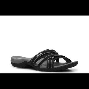 Teva Tirra sport slides in black